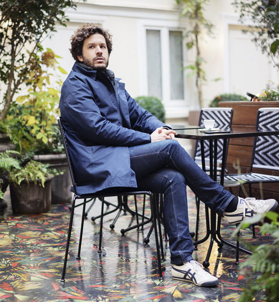 パリのホテル経営者・アドリアン・グロアグエンが語る、幸運を運ぶシューズとの想い出。