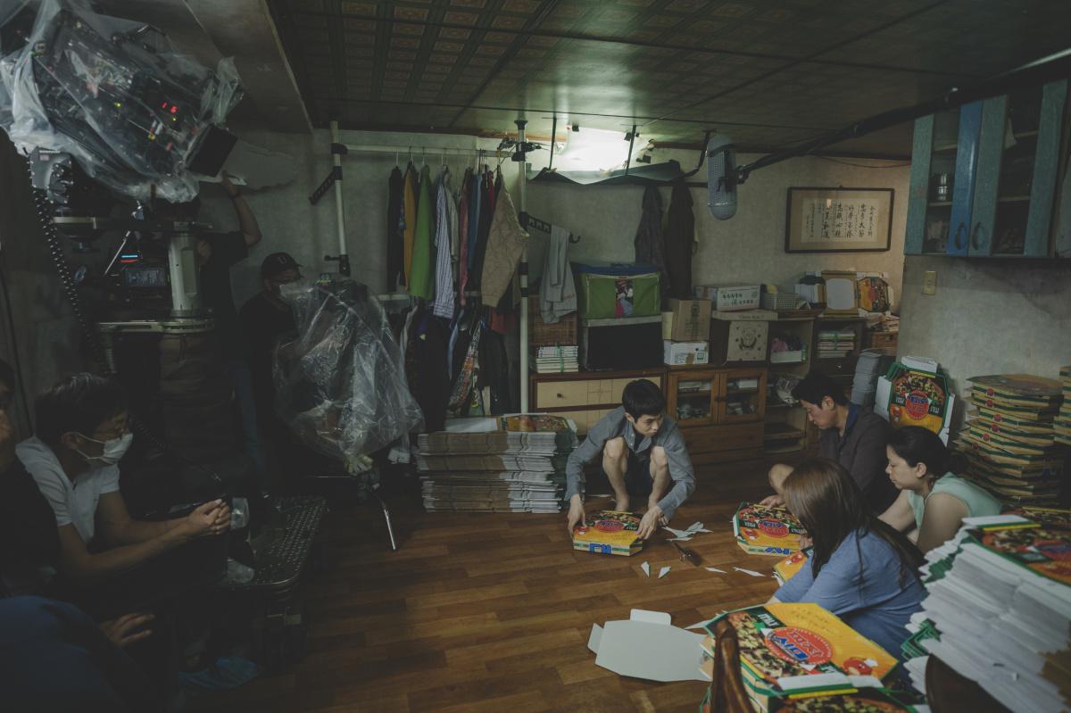 撮影監督や美術監督と、「この映画は階段の映画だ」と話していた。
