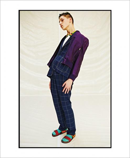 2017年春夏のポール・スミスは、 大胆なカラーをポジティブに着よう。