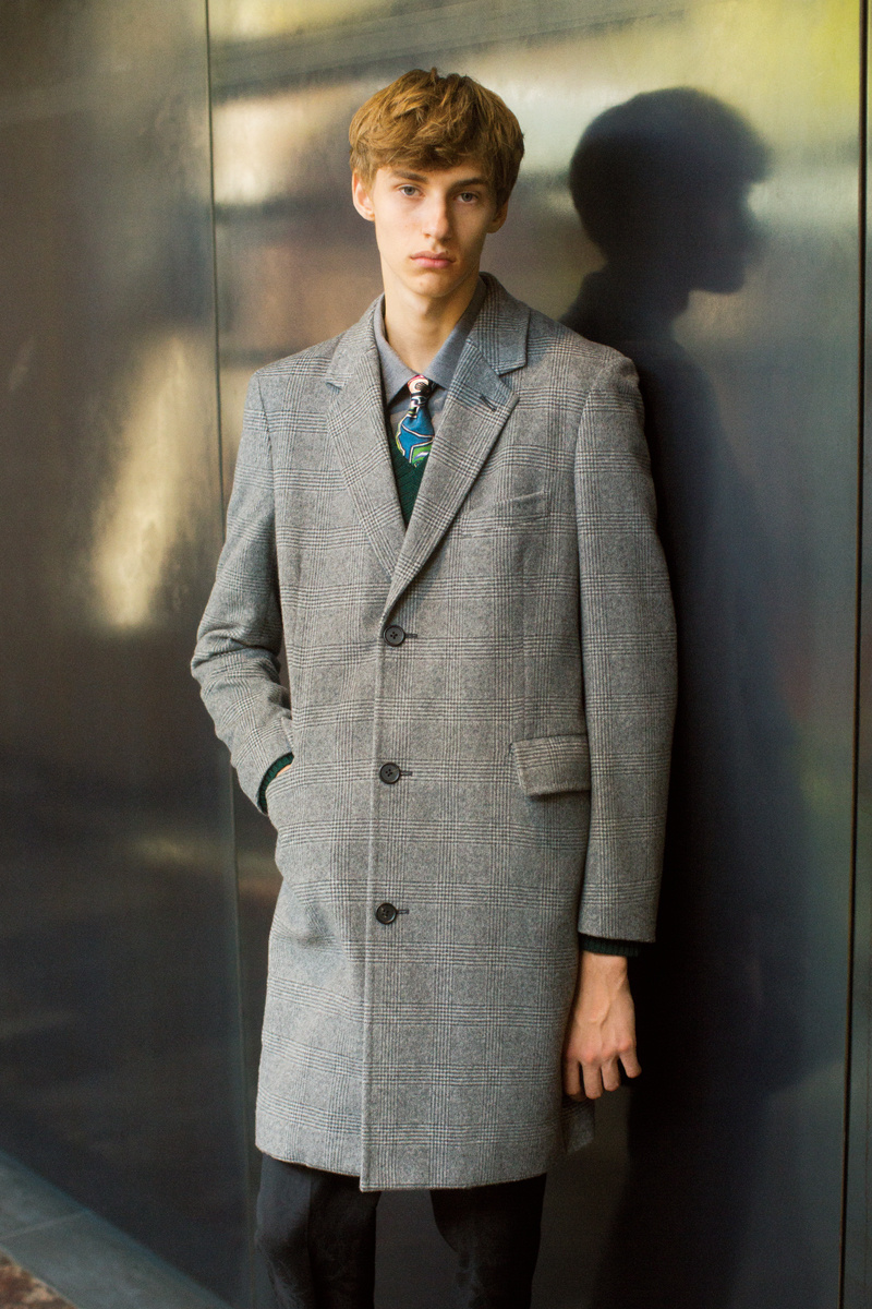 この秋冬シーズン、ポール・スミスが提案するのは、コートで奏でるやさしい日常。