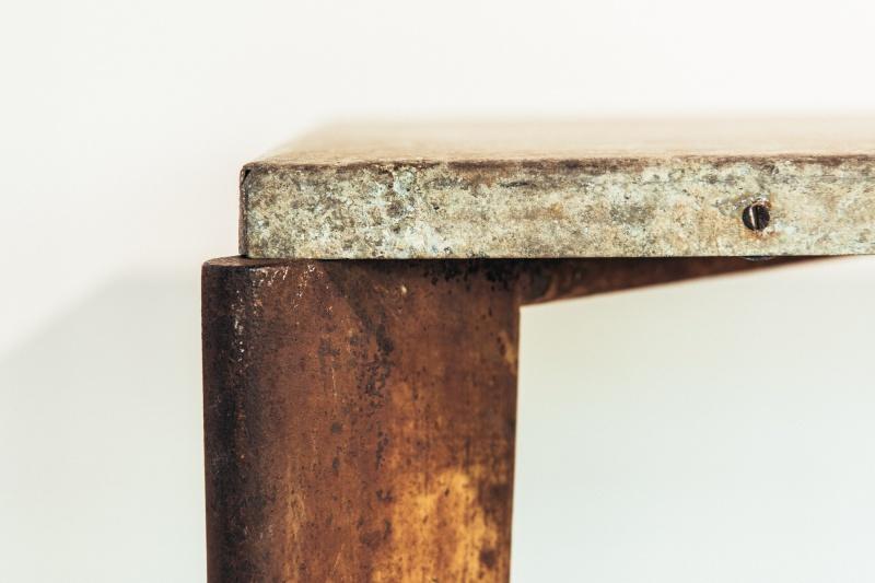プルーヴェが思い描き、自らの手で実現していったイメージを体感できる空間に。