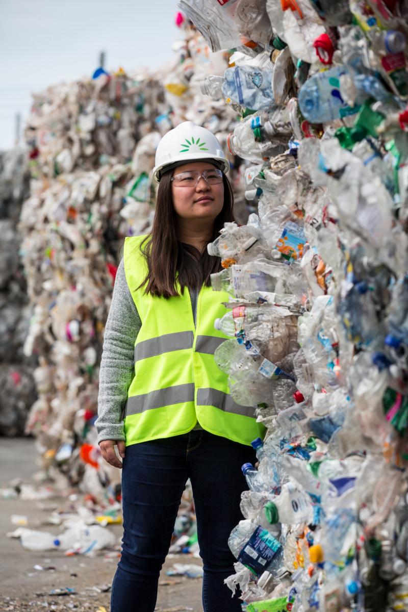 「リサイクルできないプラスティック」を、有益な物質に変える起業家。