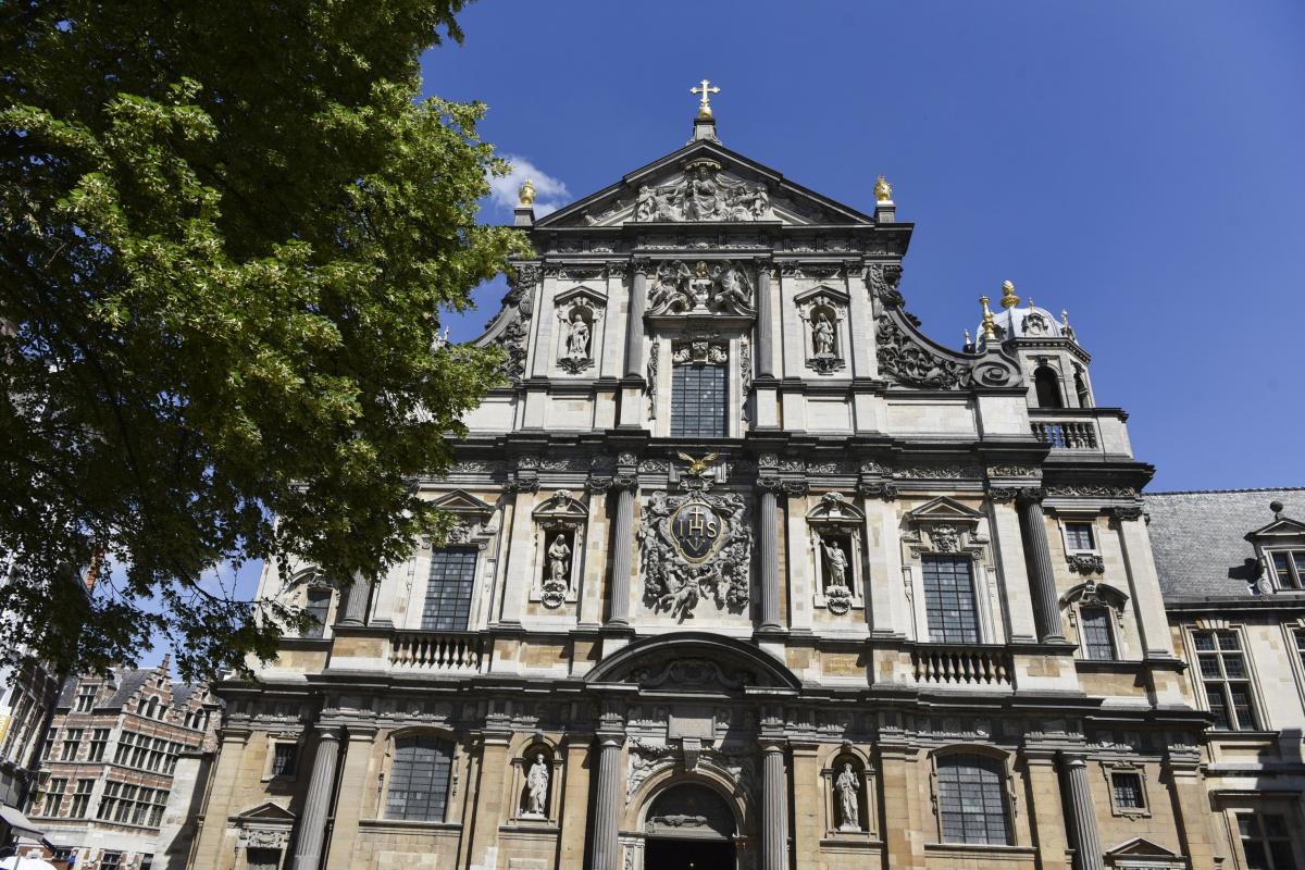 ルーベンス好みが表れた、イタリア様式の教会。