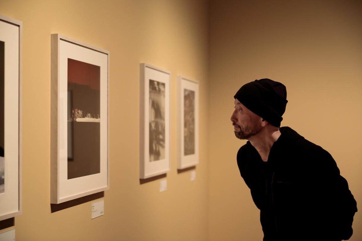 """写真を超えた""""なにか""""がそこにある。『永遠のソール・ライター』展を、写真家・藤代冥砂と訪れた。"""