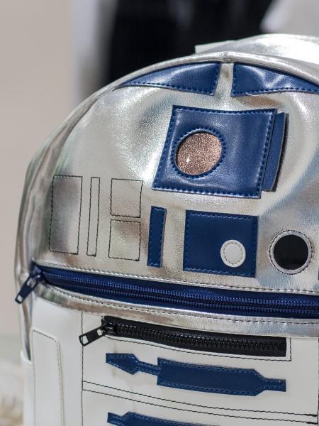 「ミュベール ワーク」が発表した、革製「R2-D2」バックパック