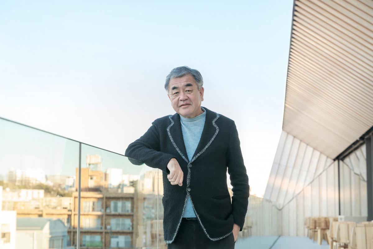 """この場所は東京という街の""""リビング""""だ。建築家・隈研吾が「スターバックス リザーブ ロースタリー」に込めた思いとは。"""
