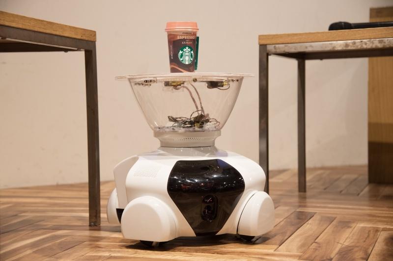 人に寄り添うロボット「パタン」が登場。