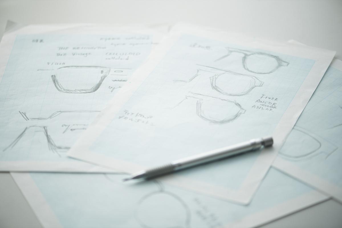独学だからこそ、自由にアイウェアをデザインできる。