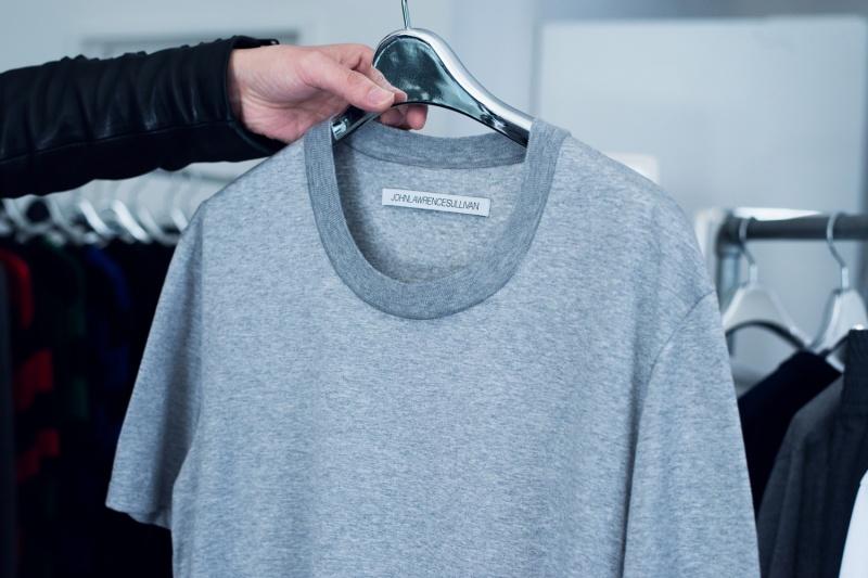 ジャケットに似合う高品位Tシャツ