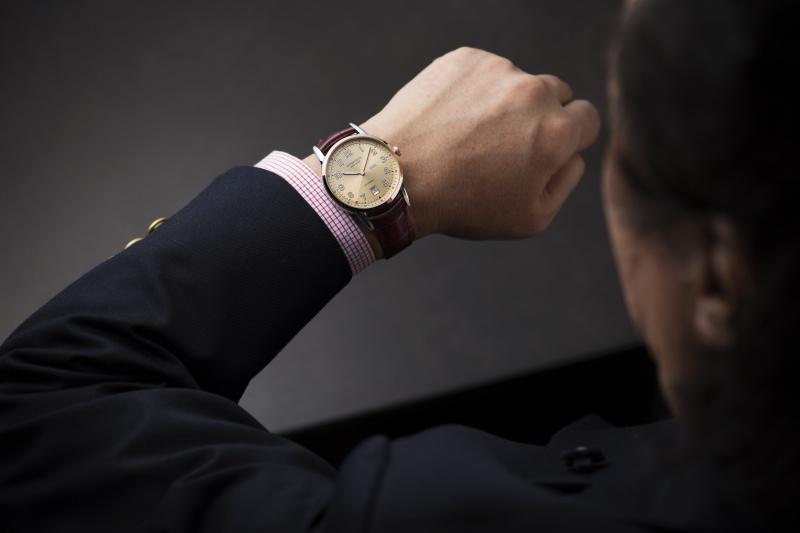 2027通りもの組み合わせから完成した、世界に1本しかない腕時計。