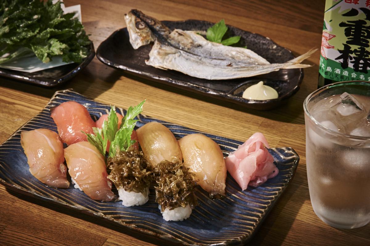 八丈島—羽田から55分の、東京にある南国リゾート