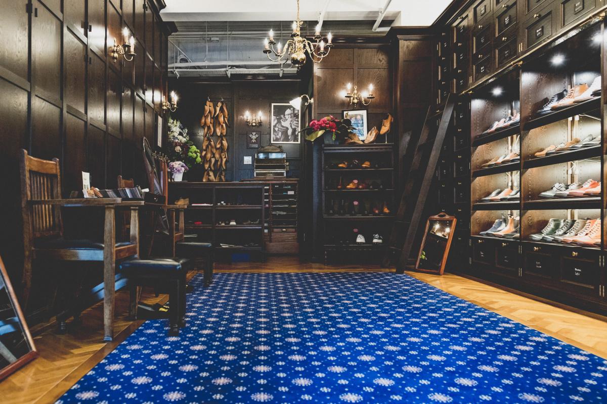 ジャーミンストリート店を再現した、クラシカルな青山店。