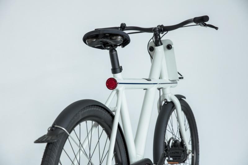 世界に衝撃を与えた、最も先進的な電動アシスト自転車。
