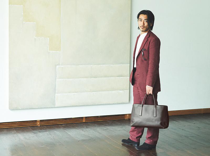 【ザネラート クリエイターに寄り添うバッグ】Vol.3 深く愛せるものしか手にしない、長谷井宏紀の感性。