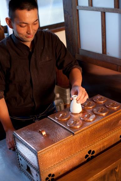 昭和を讃える日本家屋でしっぽり酒。