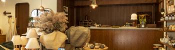 「パドラーズコーヒー」が手がける家具と雑貨の店「ブルペン」。ストーリーのある商品が、日々の暮らしのテンションを上げてくれます。