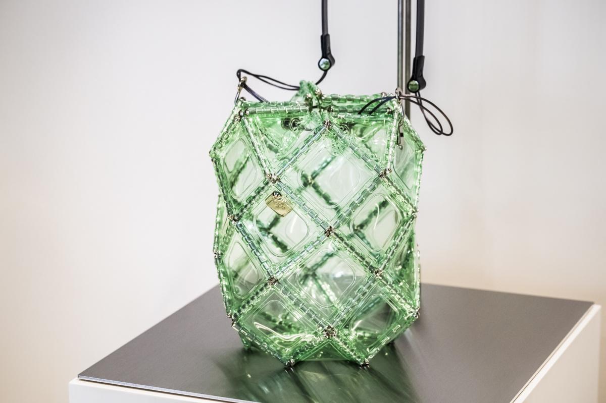 青山にオープンしたバッグとピンチの店、「ゴジュウニ バイ ヒカルマツムラ」は、使う人の感覚をデザインする実験室です。