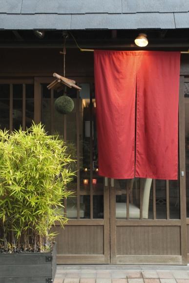 スペイン料理×日本酒という意外性。