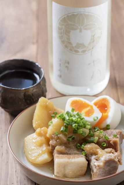 目黒で一献、 日本酒専門バー「コメコメ」でしっとりと。