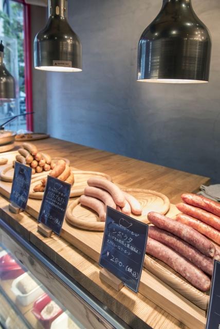 広尾に誕生した「ナイス・トゥ・ミート・ユー」で、おいしい肉料理をご賞味あれ。