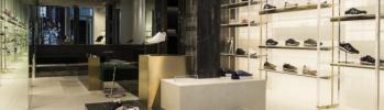足元で差をつけたいなら、イタリアの老舗シューズブランド「プレミアータ 」のシックなスニーカーはいかがでしょうか?