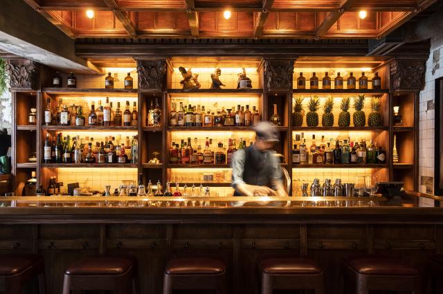 世界から注目される気鋭のバーテンダーの店「ザ・エスジー・クラブ」が、渋谷にオープン! ごくごく飲むのも、ちびちび一杯もOKなバーです。