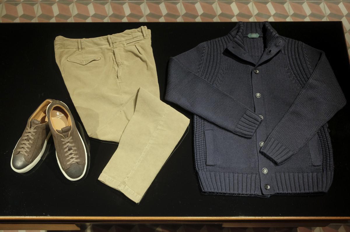 ドリンクと音楽を楽しみながら服選び。丸の内の仲通りにオープンした「スローウエア ベネツィア」は大人の男の遊び場です。