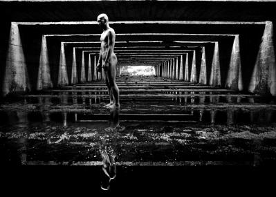 光と身体、写真家とダンサー、その濃密なコラボレーション