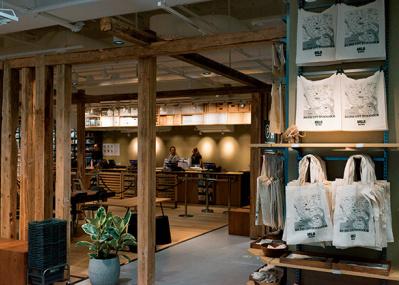 北欧最大のMUJI旗艦店オープンに大行列。
