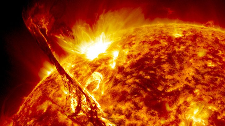 NASA設立60周年! 天体写真展『138億光年大いなる宇宙の旅』は、科学技術とアートが融合した神の芸術です。