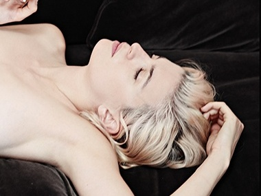ありのままに、裸のパリジェンヌたちと向き合ったソニア・シエフ初の写真集『LES FRANÇAISES』が完成。
