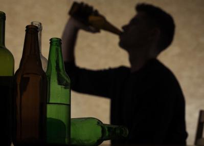 アルコールとがんの関係が明らかに DNAを損傷、二度と戻らない状態に