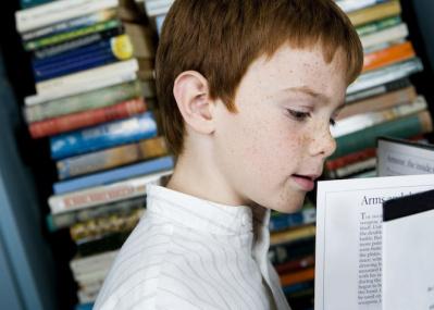 子どもの時に、自宅に紙の本が何冊あったかが一生を左右する:大規模調査