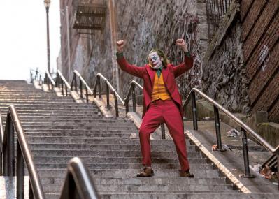 ニューヨークの観光名所になった「ジョーカー階段」の迷惑度