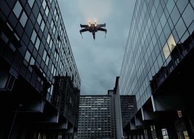 「スター・ウォーズ」のキャラたちが現実世界で躍動する、セドリック・デルソーの写真展を見逃すな!