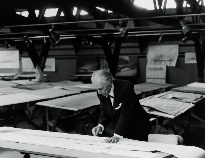 3組のクリエイターが挑んだ、フランク・ロイド・ライトの名作照明「タリアセン」のオマージュ展が必見です。