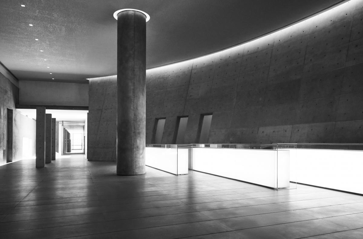 ジョルジオ・アルマーニと安藤忠雄が、ミラノで『Tadao Ando. The Challenge』展を開催中です。