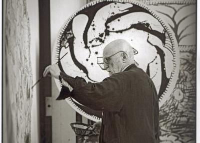 89歳を迎えてなお圧倒的な筆の勢い。国内初の本格的な回顧展「ピエール・アレシンスキー展」は見逃せません!