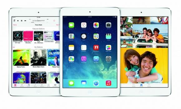 アップルの新モバイルOS「iOS 7」はユーザインターフェイスを一新、9月18日に無料提供開始。