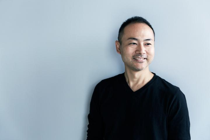 建築家とカリモクが取り組んだ『architect meets karimoku』展で、空間と家具の可能性を探る。