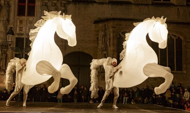 夜通し街でアートを感じる祭典、「六本木アートナイト」が今年も開催です!
