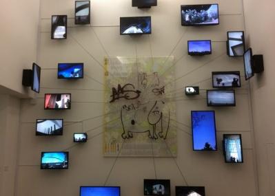 『メルセデス・ベンツ アート・スコープ2015-2017』は、東京とベルリン、ふたつの都市を「漂泊する想像力」が競演するコンセプチュアル空間です。