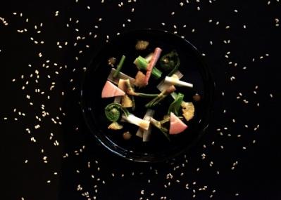 記憶や自然、宇宙まで!? 「フードスケープ 私たちは食べものでできている」展で、食をめぐるアートを味わいましょう。