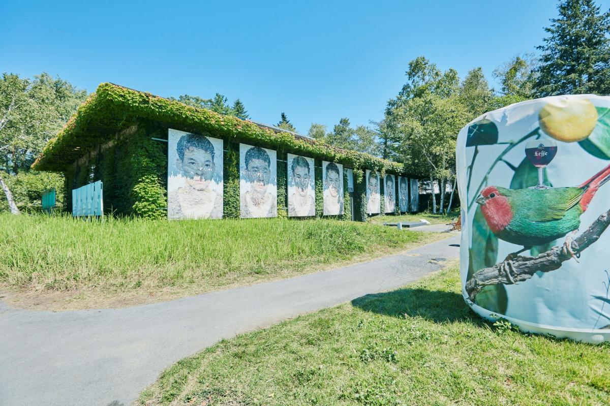 豊かな自然とアート写真を堪能する、「浅間国際フォトフェスティバル2019」が開催中。