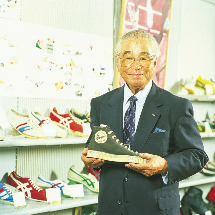 日本屈指のグローバルブランドとなった、アシックス原点の理念を限定モデルに込める。