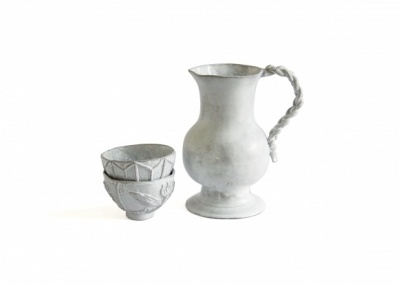 パリの陶器「アスティエ・ド・ヴィラット」が、画家バルテュス夫人とコラボした!