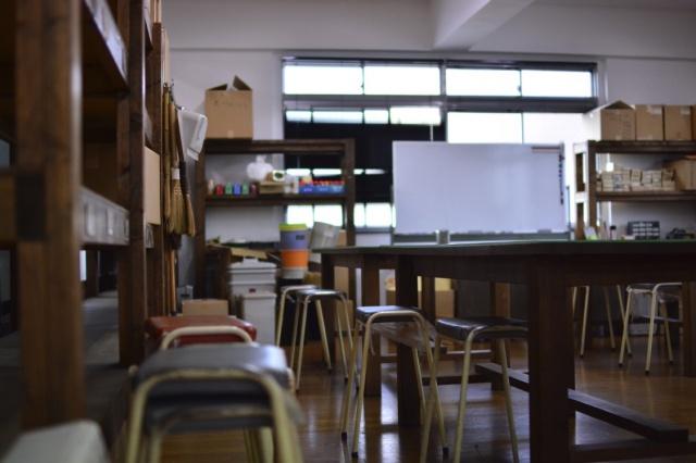 「これって製品レベル!」がつくれてしまう革小物コースがスタート。 職人を目指す方もぜひ、この学校へ!
