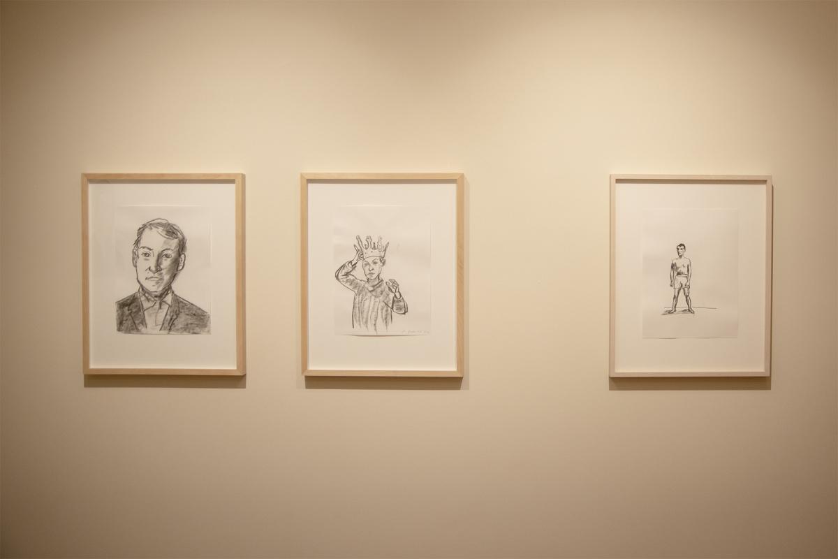 無表情の男の像が、あなたの心を映し出す。彫刻家、シュテファン・バルケンホールの個展を見逃すな。
