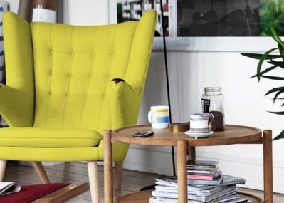 最高の座り心地を約束する、ウェグナーの「ベアチェア」5台が展示販売されます。