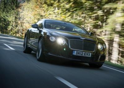 ベントレーの最新モデル「コンチネンタル GT スピード」と「V8」に試乗しました。